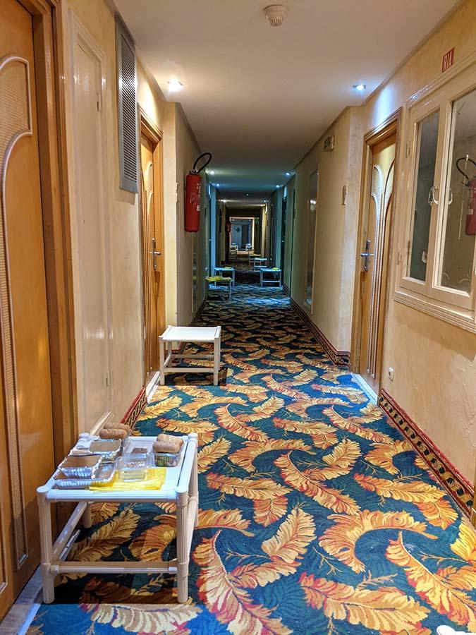 tunisia quarantine hotel meal distribution